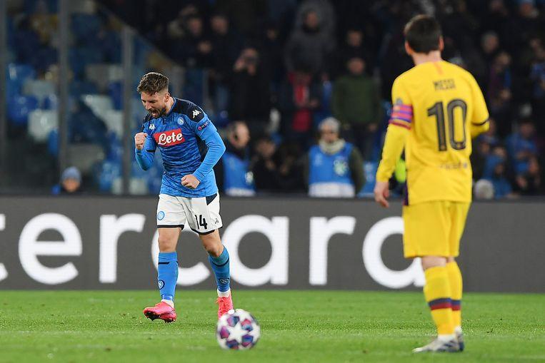 Dries Mertens viert zijn goal: 1-0 Napoli. Beeld Getty Images