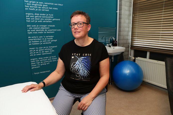 Martine in 't Veld geeft haptotherapie en haptonomische zwangerschapsbegeleiding.