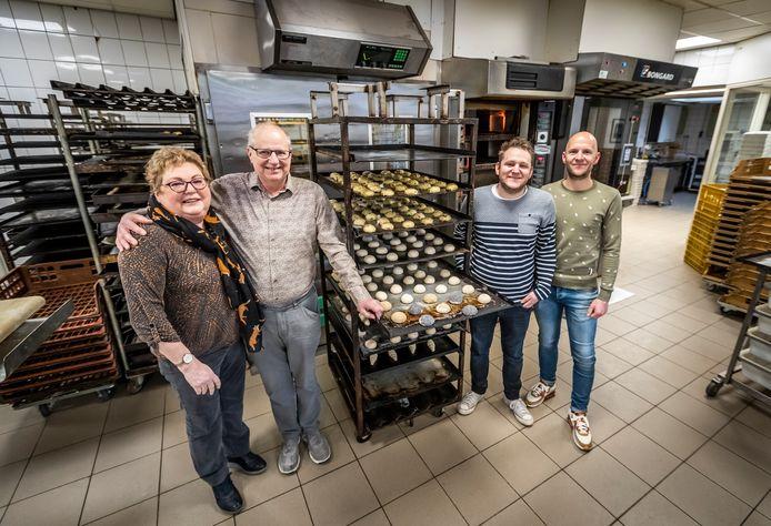 Bakker De Lau bestaat zestig jaar: Rian, Henri, Geert en Pieter  (vlnr).