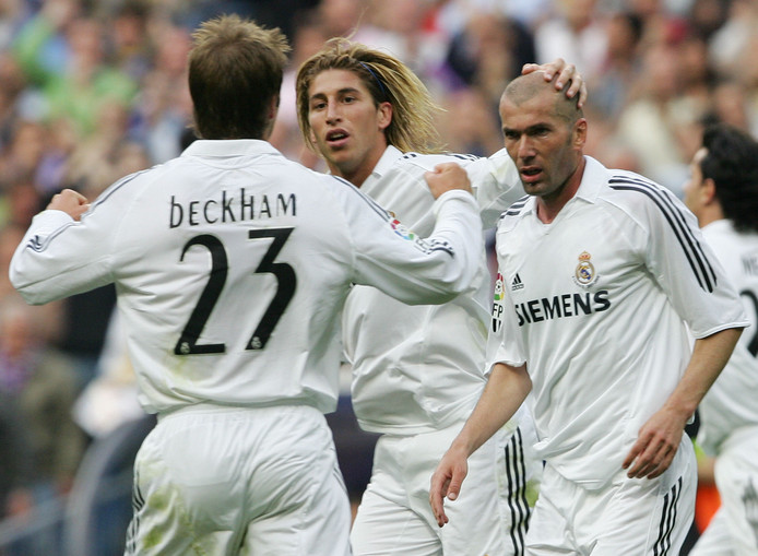 Sergio Ramos met Zinedine Zidane en David Beckham op 7 mei 2006. Het was voor Zidane zijn laatste wedstrijd voor Real.