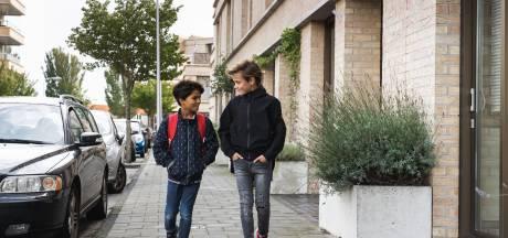 Oproep VVN: Ouders, breng je kind niet meer met de auto naar school