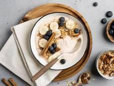 Wat Eten We Vandaag: Bananenbowl met pangranola en blauwe bessen