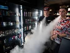 Marten Boersma uit Eindhoven, gebruiker e-sigaret: 'We roken ons uiteindelijk toch dood'