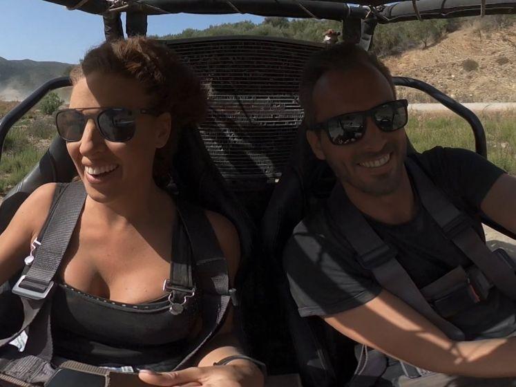 """Candice en Marijn leven zich uit in een offroad buggy: """"Ik vind het wel tof als een man een beetje pit heeft"""""""