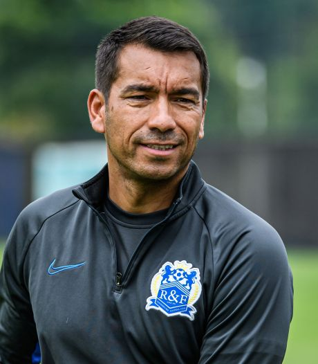 Van Bronckhorst begint met fors verlies in Chinese Super League