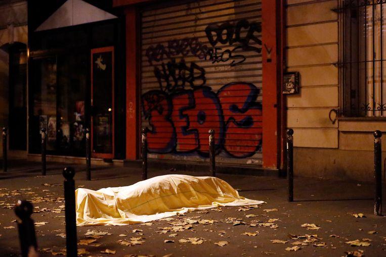 Op vrijdag 13 november 2015 werd Parijs opgeschrikt door meerdere gecoördineerde aanslagen, onder meer in de Bataclan. Beeld AP