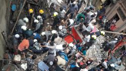 Appartementsblok ingestort in Mumbai: zeven doden, nog tientallen mensen onder het puin