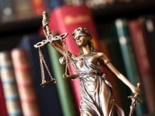 OM: Ossenaar gebruikte 'psychische druk' voor verkrachting Egyptisch asielzoeker
