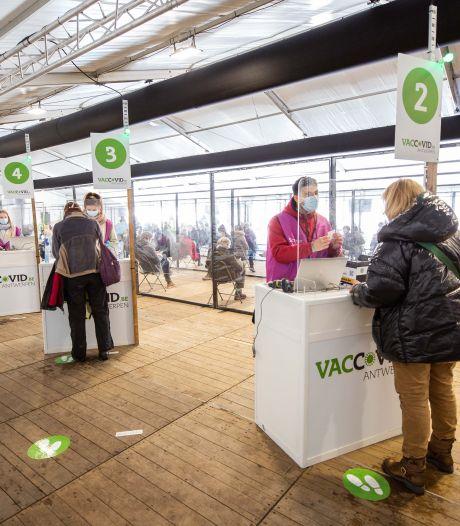 Antwerpen opent vaccinatiepunten voor mensen die toch nog vaccin willen