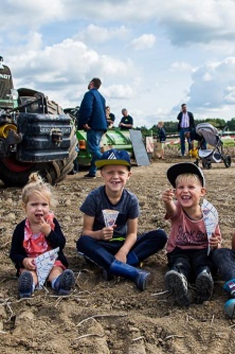 Bram Ladage haalt 2.200 euro op voor Dirk Kuyt Foundation