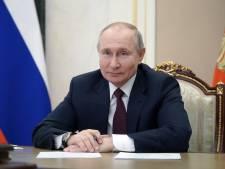 """Poutine se moque de Biden: """"C'est celui qui le dit qui l'est"""""""