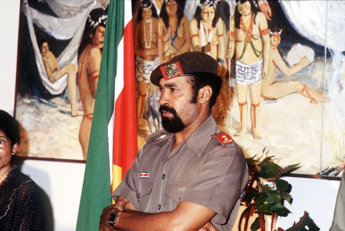 Toenamlig Bevelhebber Desi Bouterse in 1987