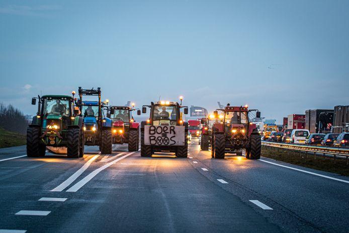 Boeren op de snelweg tijdens een eerder protest.