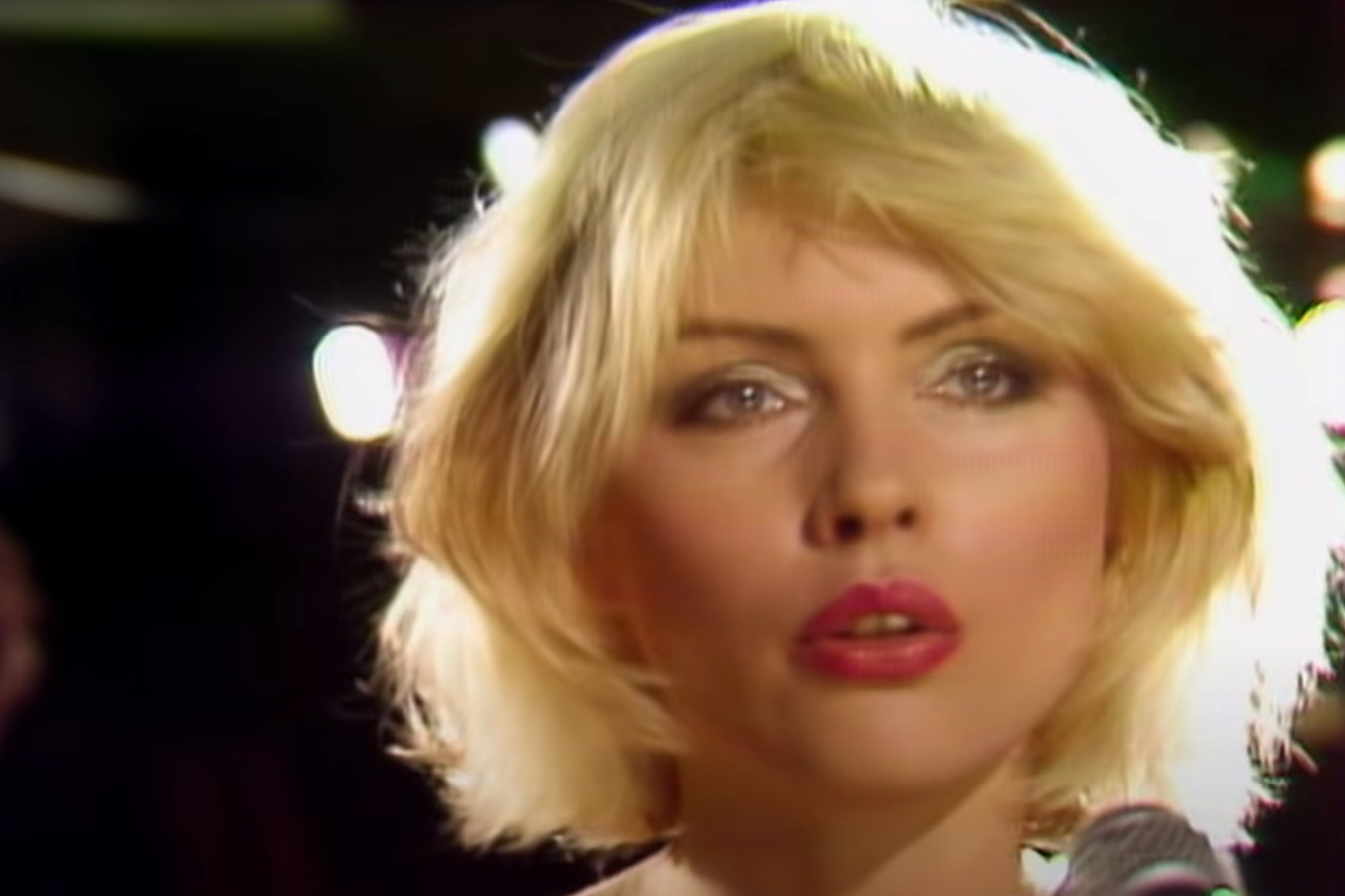 Blondie in de clip van 'Rapture'.