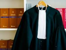 Advocaat de fout in bij afhandelen erfenis: hij zet een auto op naam van zijn vrouw en stuurt nabestaande torenhoge rekening