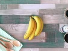 Op deze manier pel je bananen nog gemakkelijker