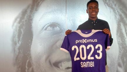 Sambi Lokonga verlengde zijn contract bij paars-wit.