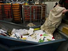 Postbode ontslagen omdat hij duizenden brieven voor zichzelf hield