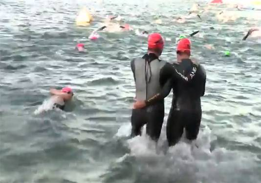 Scott Smiley (links) en Andy Cooper beginnen aan de Ironman in en rond Coeur d'Alene.