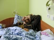 """L'Ukraine capture et exhibe deux """"soldats russes"""""""