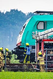 Rook uit locomotief van passagierstrein bij Maasdam legt treinverkeer plat