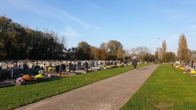 Opnieuw klachten over diefstallen op kerkhof, maar camera's zijn nog niet voor meteen
