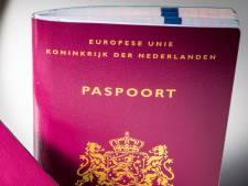 Vakantie geboekt en dan blijkt je paspoort verlopen, reken in Bergen dan alvast maar op lange wachttijden