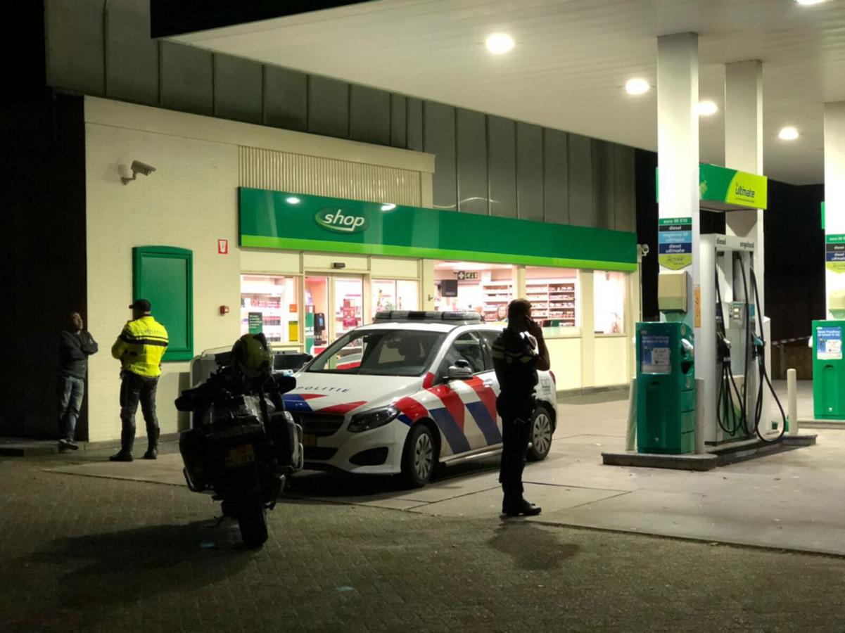 De politie onderzoekt de mislukte overval op het BP-tankstation aan de Vredenseweg in Winterswijk.
