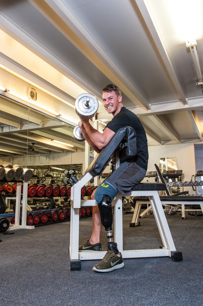 Mike Lingen, ruim 2 jaar na zijn trein ongeluk, in en voor Sportschool Den Edel waar hij heel hard werkt aan zijn volledige herstel.