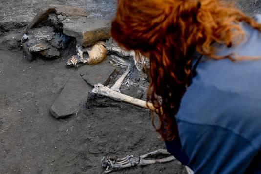 Archeologen nemen aan de slachtoffers in een kleine ruimte schuilden voor de uitbarsting