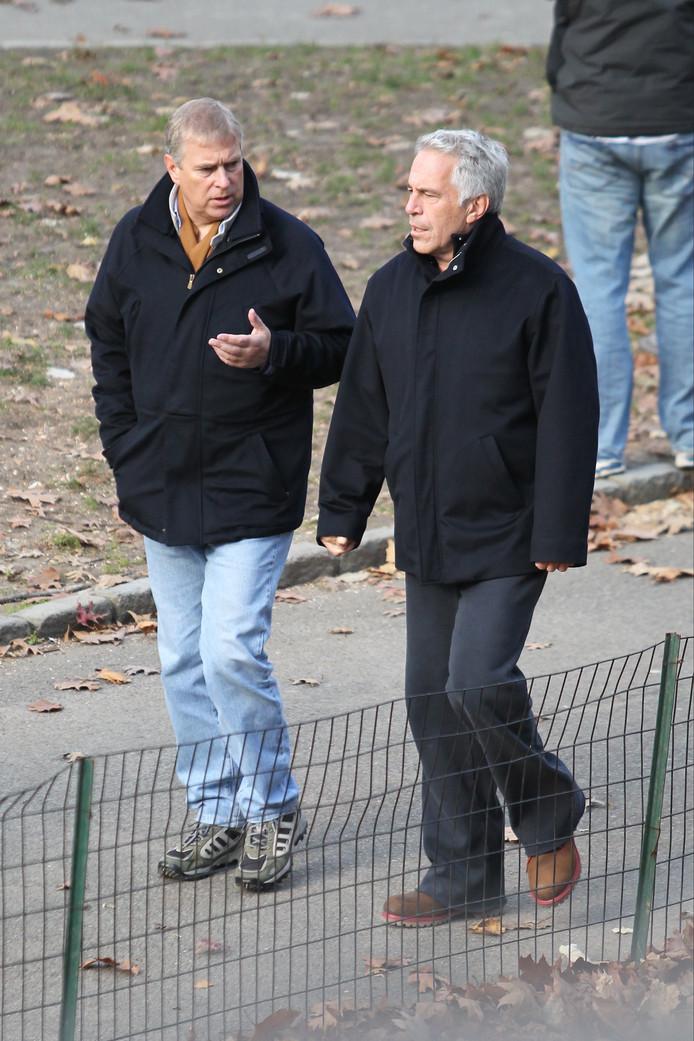 Le prince Andrew et Jeffrey Epstein photographiés dans les rues de New York.