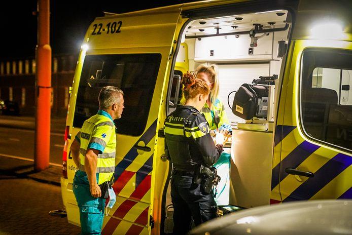 In de nacht van zaterdag op zondag hebben twee steekpartijen kort na elkaar plaatsgevonden in Eindhoven. In beide gevallen raakte er een persoon gewond.