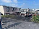 De vlammen richtten een ravage aan op camping Metsu.