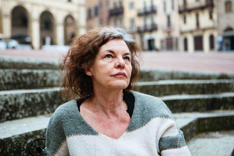 'Het is zo pijnlijk bij Bart De Pauw en zijn vrouw: die vermoorde onschuld, dat zelfbeklag. En intussen ben ík de kwaaie wraakgodin.'  Beeld Adele Costantini