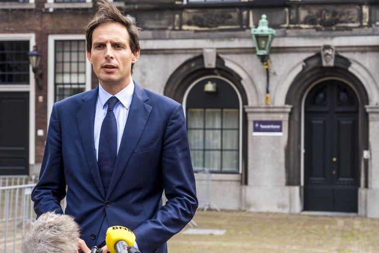Wopke Hoekstra (CDA) staat de pers te woord op het Binnenhof.  Beeld ANP - Lex van Lieshout