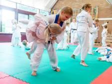 Schooljudo maakt van ieder kind in Haaksbergen een held: 'Judo is meer dan de ander in een houdgreep nemen'