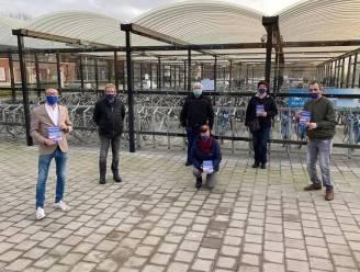Motie tegen sluiting treinloket, VB voert actie aan station