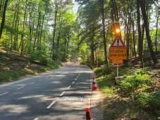 Wielrenners klagen over gevaarlijke Boersberg: gemeente plaatst borden met advies om af te stappen