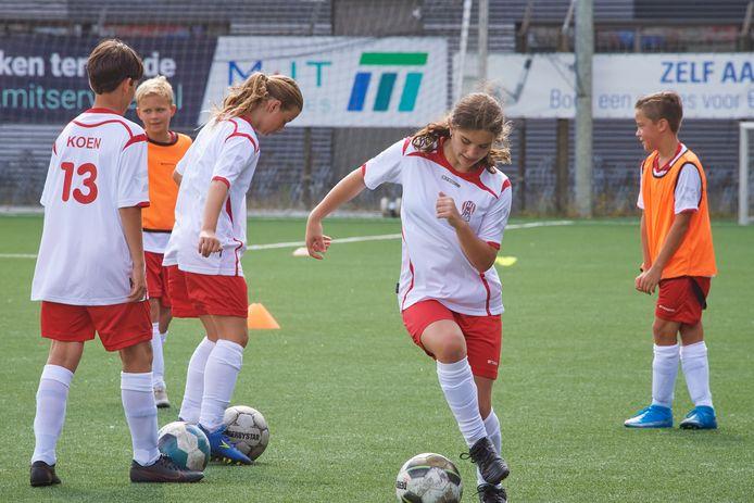 De eerste editie van het voetbalkamp bij TOP Oss.