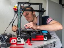 Erik (33) kan zijn geluk niet op met zijn zelfgebouwde 3D-printer