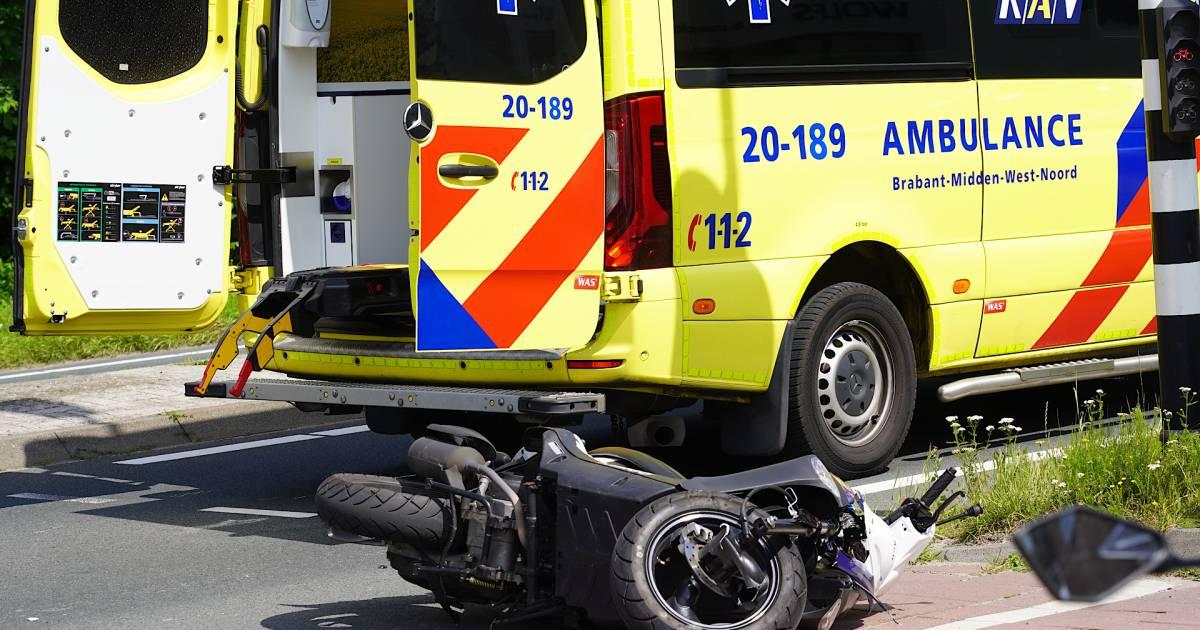 Scooterles gaat mis in Dongen: jonge bestuurster gewond bij botsing tegen vrachtwagen.