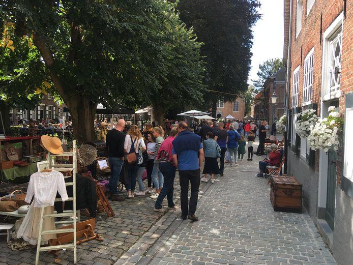 De brocantemarkt in het Begijnhof in 2019