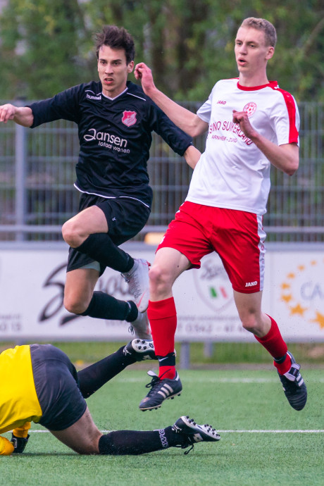 Jonge Kracht kegelt MASV na strafschoppen uit Arnhem Cup