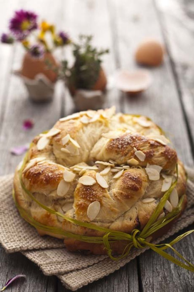sweet-easter-bread.jpg