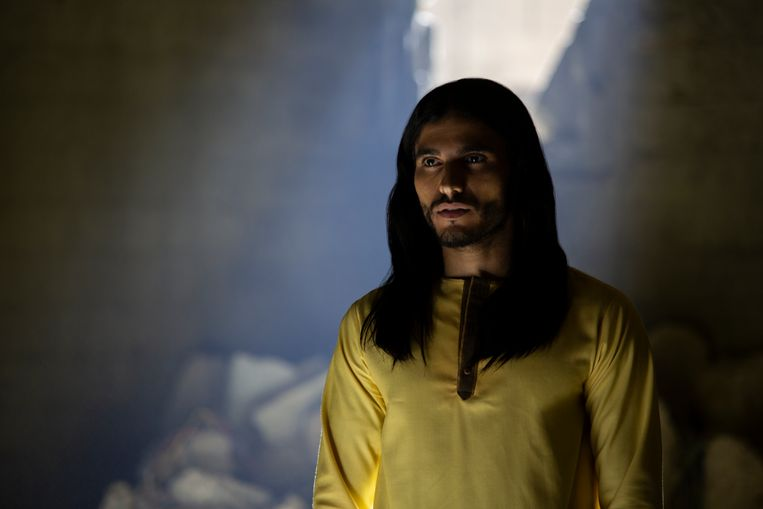Mehdi Dehbi in de rol van messias in de Netflixserie Messiah. Beeld Netflix