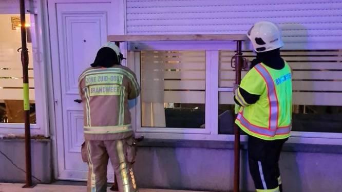Brandweer moet gevel stutten na aanrijding op Impedorp