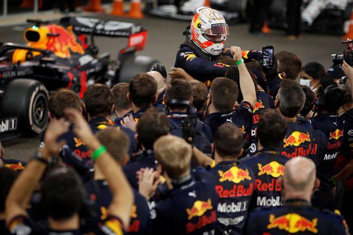 Max Verstappen avait remporté le dernier Grand Prix de 2020, Red Bull espère poursuivre sur cette lancée avec la RB16B en 2021.