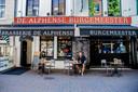 Dit is brasserie De Alphense Burgemeester.