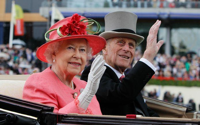 Queen Elizabeth en haar echtgenoot prins Philip die afgelopen zaterdag begraven is in St. George's Chapel.