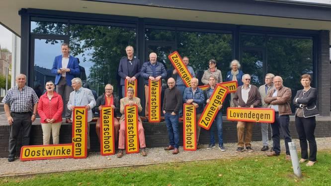 Deelnemers wedstrijd 'Betaal met een verhaal' ontvangen allemaal oud gemeentebord